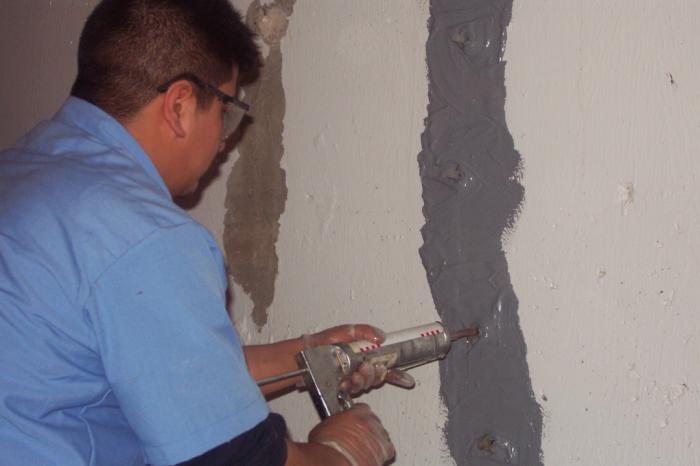 Foundation crack repair methods and what to consider How to fill a crack in the wall