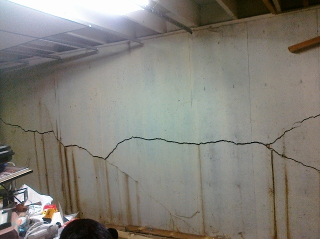 two reasons you should make structural foundation repairs quickly